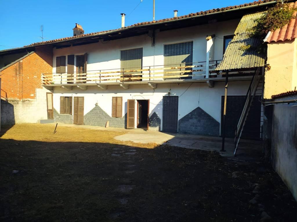 Soluzione Indipendente in vendita a San Giusto Canavese, 10 locali, prezzo € 79.000 | PortaleAgenzieImmobiliari.it