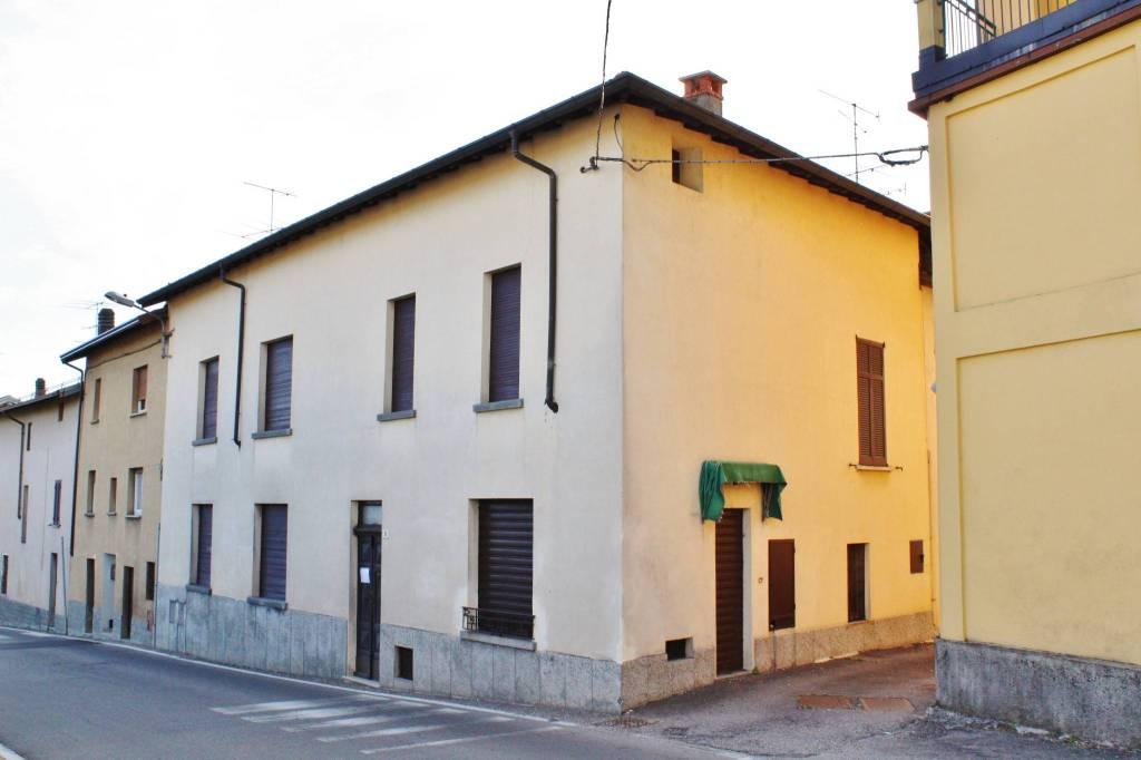 Ufficio / Studio in affitto a Caravate, 4 locali, prezzo € 590 | PortaleAgenzieImmobiliari.it
