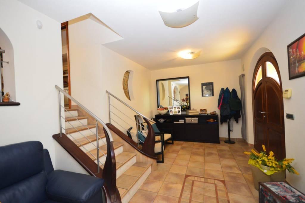 Villa in Vendita a Collesalvetti Periferia: 5 locali, 150 mq