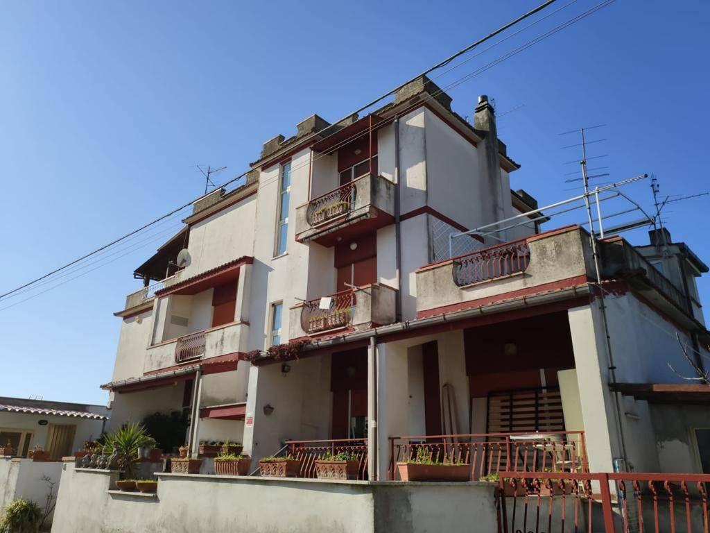 Appartamento in vendita a Anzio, 3 locali, prezzo € 60.000   PortaleAgenzieImmobiliari.it