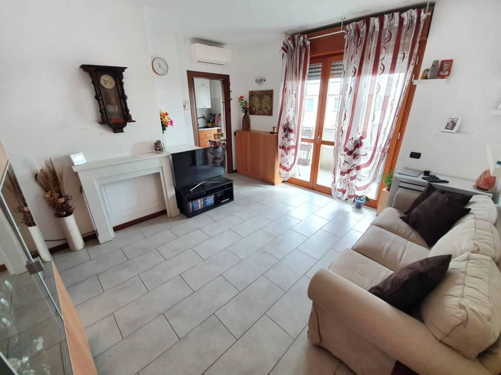 Appartamento in vendita a Gerenzano, 3 locali, prezzo € 149.000 | PortaleAgenzieImmobiliari.it