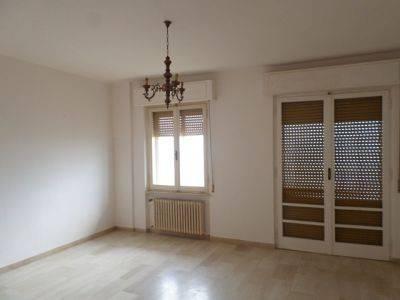 Appartamento in Affitto a Magione: 3 locali, 80 mq