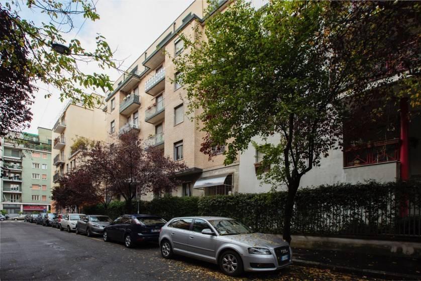 Appartamento in affitto a Milano, 2 locali, zona P.ta Genova, Romolo, Solari, Savona, Tortona, prezzo € 980 | PortaleAgenzieImmobiliari.it