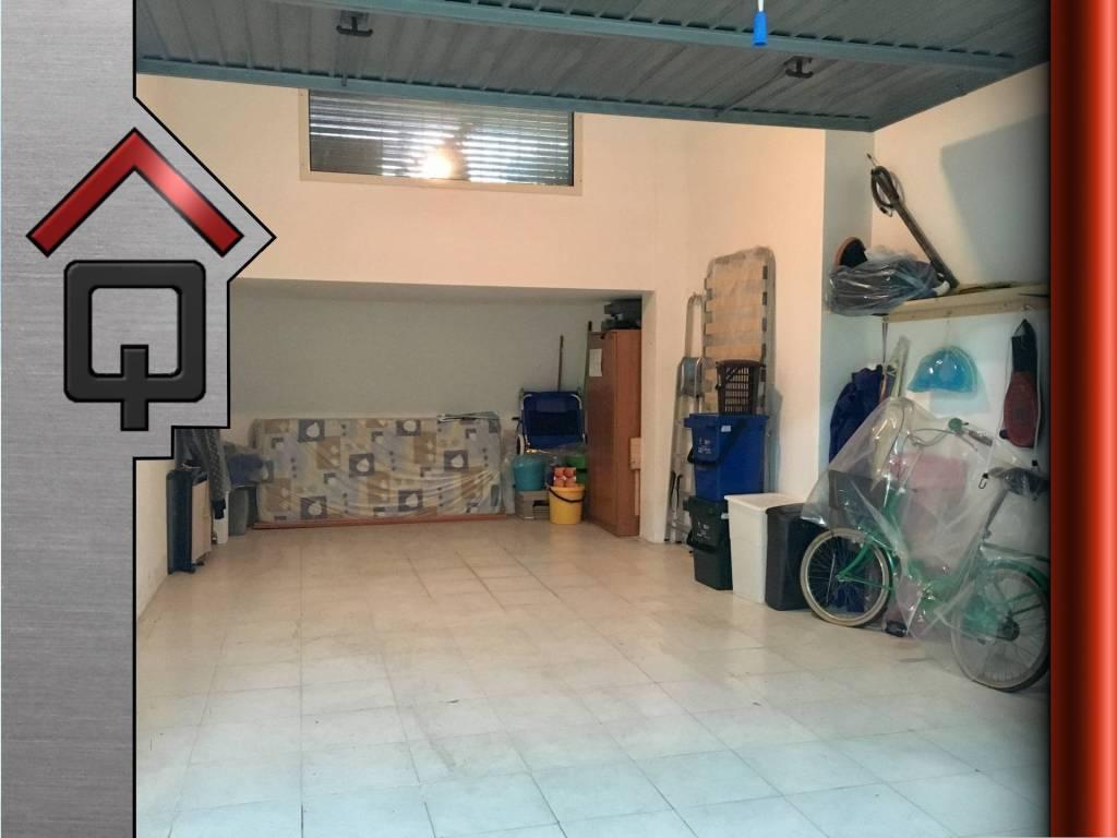 Posto-box auto in Vendita a Alghero: 19 mq