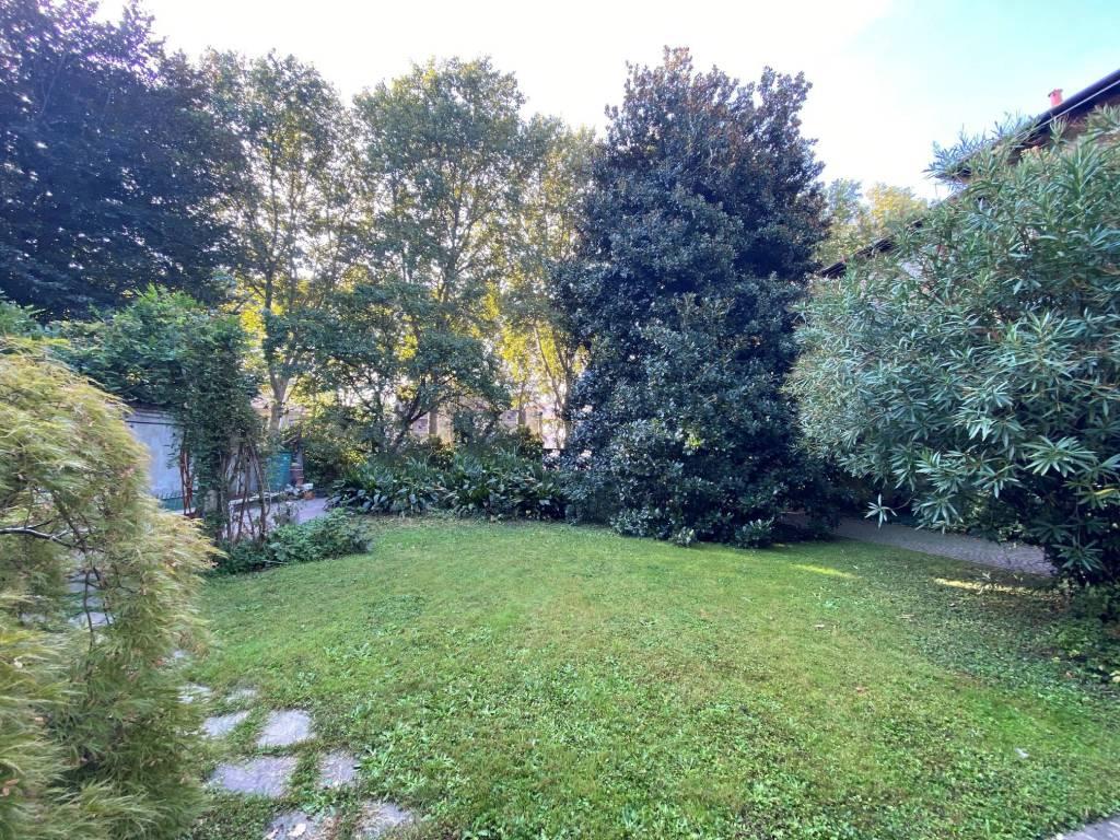 Villa in vendita a Monza, 10 locali, zona Zona: 2 . Parco, Trattative riservate   CambioCasa.it