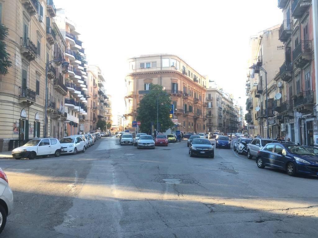 Ufficio-studio in Affitto a Palermo Centro: 5 locali, 230 mq