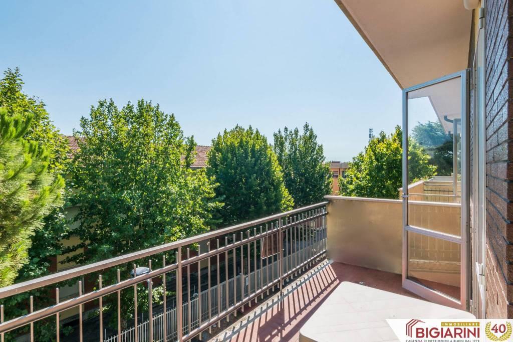 Appartamento in vendita a Rimini, 6 locali, prezzo € 198.000 | CambioCasa.it