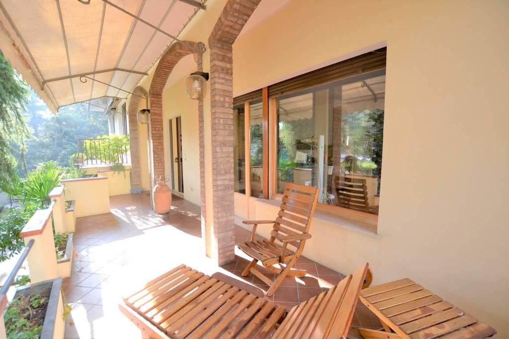 Villa in Vendita a Riccione Centro: 453 mq