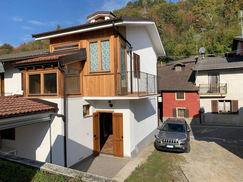 Rustico / Casale in vendita a Roccasparvera, 3 locali, prezzo € 63.000 | PortaleAgenzieImmobiliari.it