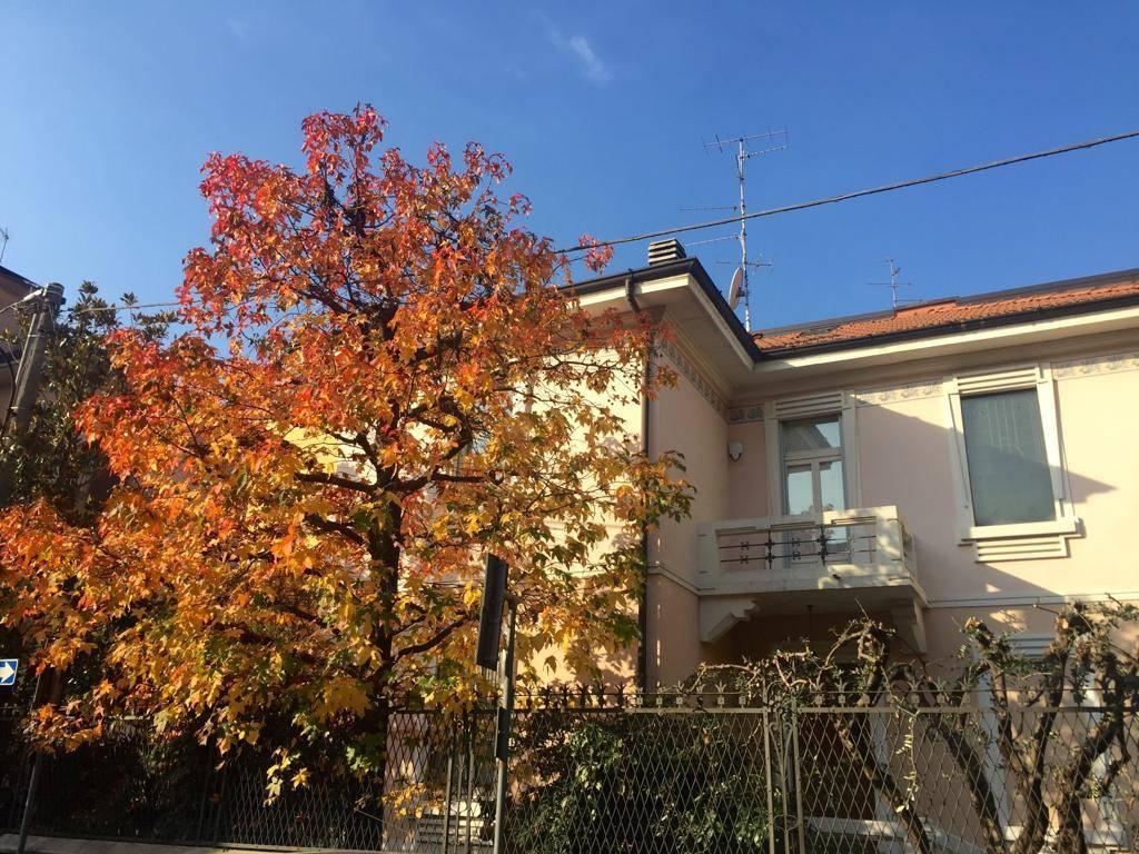 Villa in vendita a Saronno, 4 locali, Trattative riservate | PortaleAgenzieImmobiliari.it