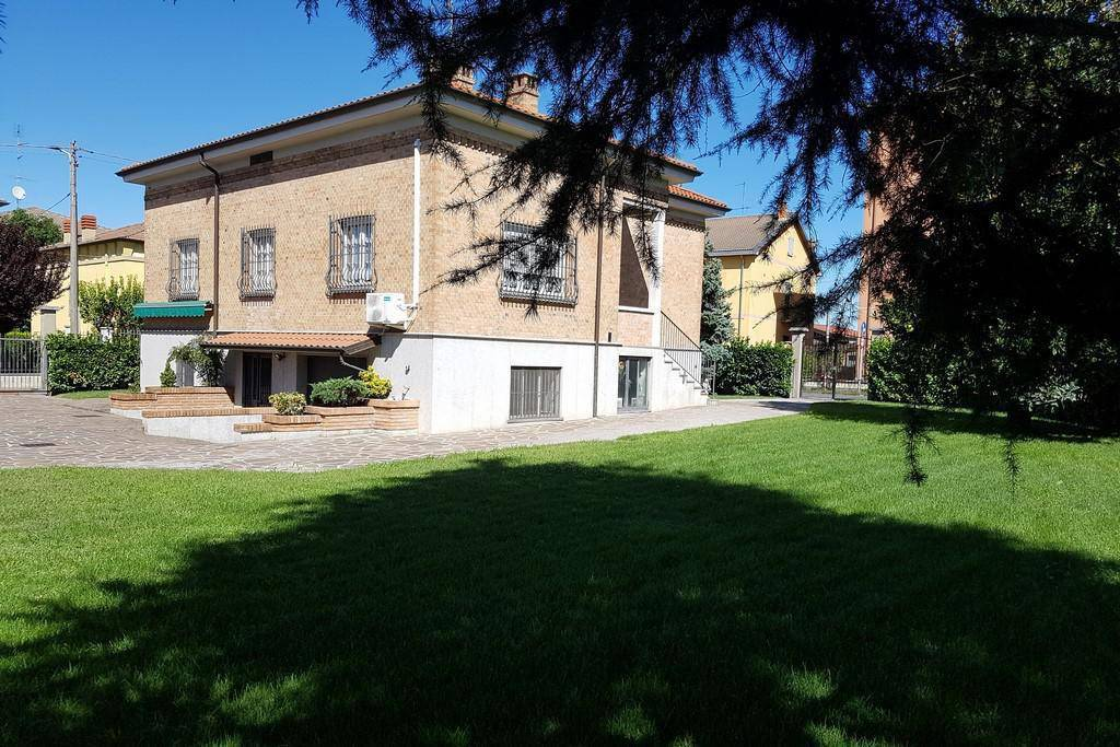 Villa in vendita a Stradella, 5 locali, prezzo € 360.000 | PortaleAgenzieImmobiliari.it