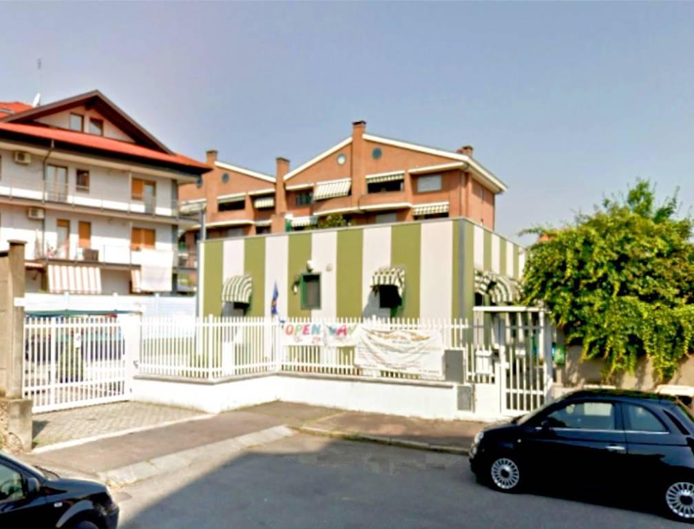 Palazzo / Stabile in Vendita a Torino