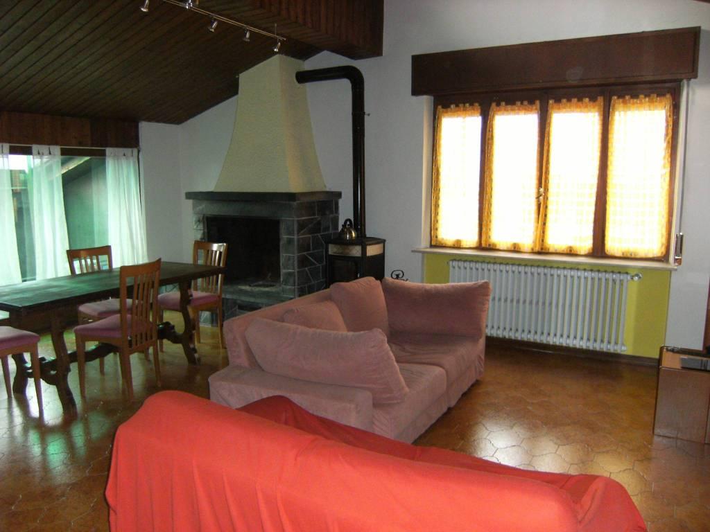 Appartamento in affitto a Zogno, 4 locali, prezzo € 500 | PortaleAgenzieImmobiliari.it