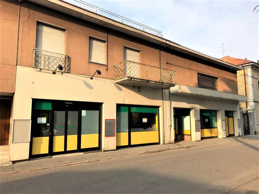 Attività / Licenza in affitto a Cerro Maggiore, 6 locali, prezzo € 3.300 | CambioCasa.it