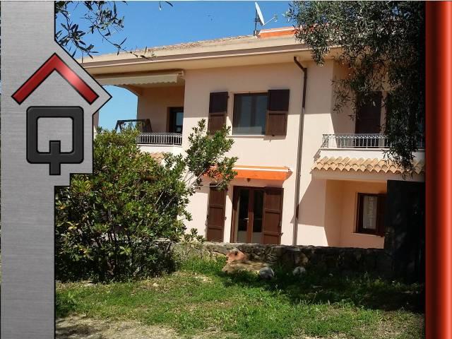 Villa in Vendita a Alghero Periferia: 5 locali, 382 mq