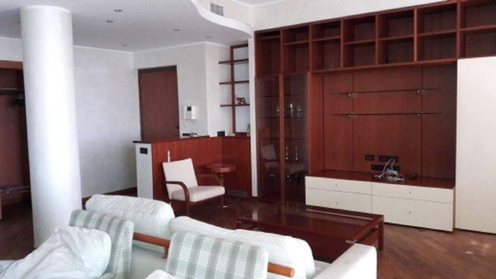 Appartamento in affitto a Solaro, 3 locali, prezzo € 1.000 | PortaleAgenzieImmobiliari.it