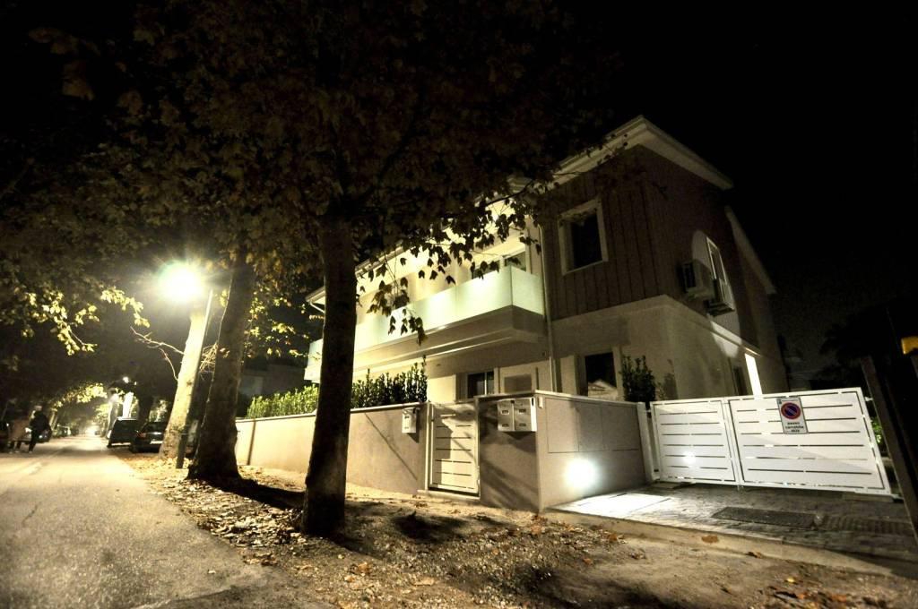 Appartamento in Vendita a Cesenatico Centro: 3 locali, 105 mq
