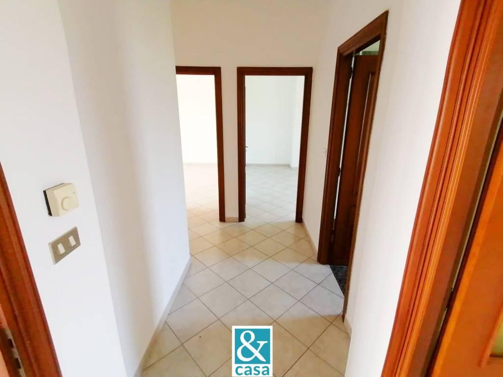 Appartamento in affitto a Cavour, 5 locali, prezzo € 550   CambioCasa.it