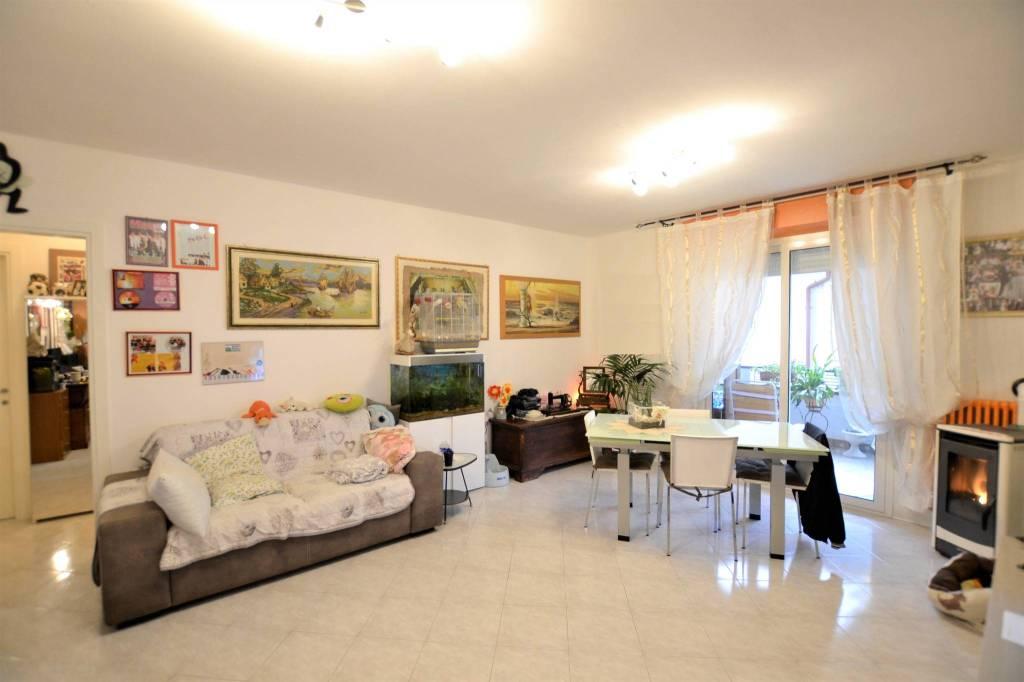 Appartamento in Vendita a Riccione Centro: 4 locali, 85 mq