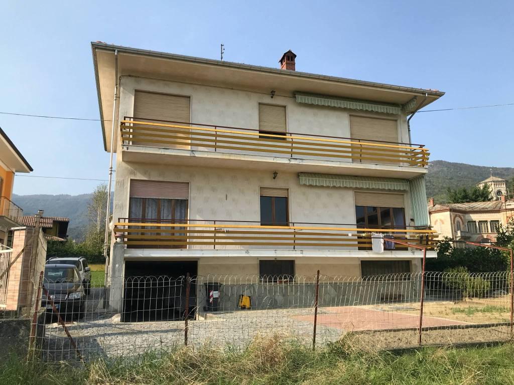 Villa in vendita a Giaveno, 7 locali, prezzo € 240.000   CambioCasa.it
