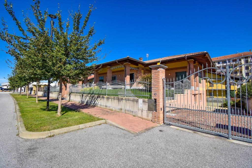 Villa in vendita a Villafranca Piemonte, 5 locali, prezzo € 549.000 | PortaleAgenzieImmobiliari.it