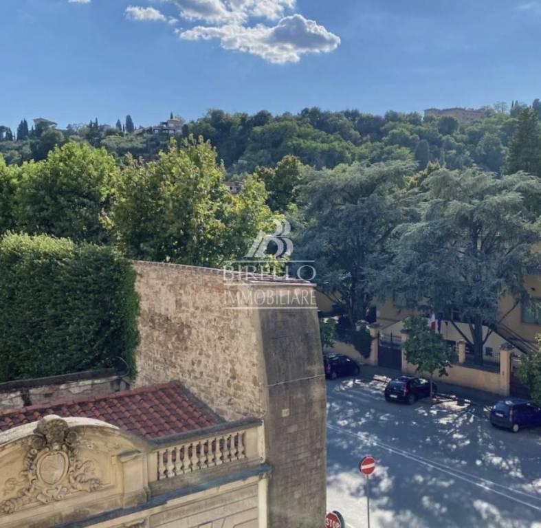 Appartamento in Vendita a Firenze Centro: 4 locali, 75 mq