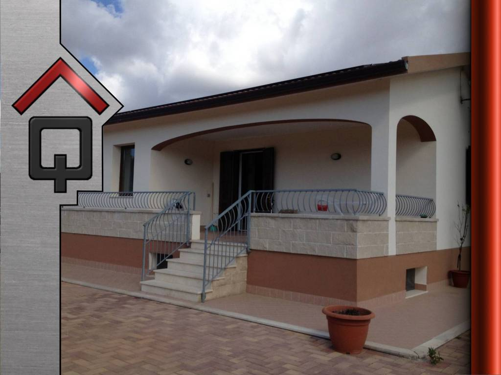 Villa in Vendita a Alghero Periferia: 5 locali, 217 mq