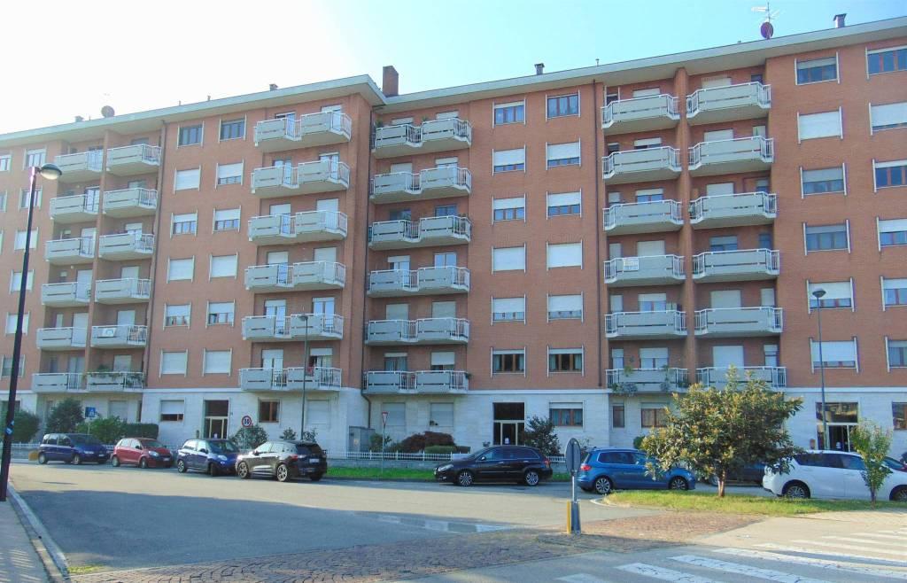 Appartamento in vendita a Beinasco, 3 locali, prezzo € 159.000 | CambioCasa.it