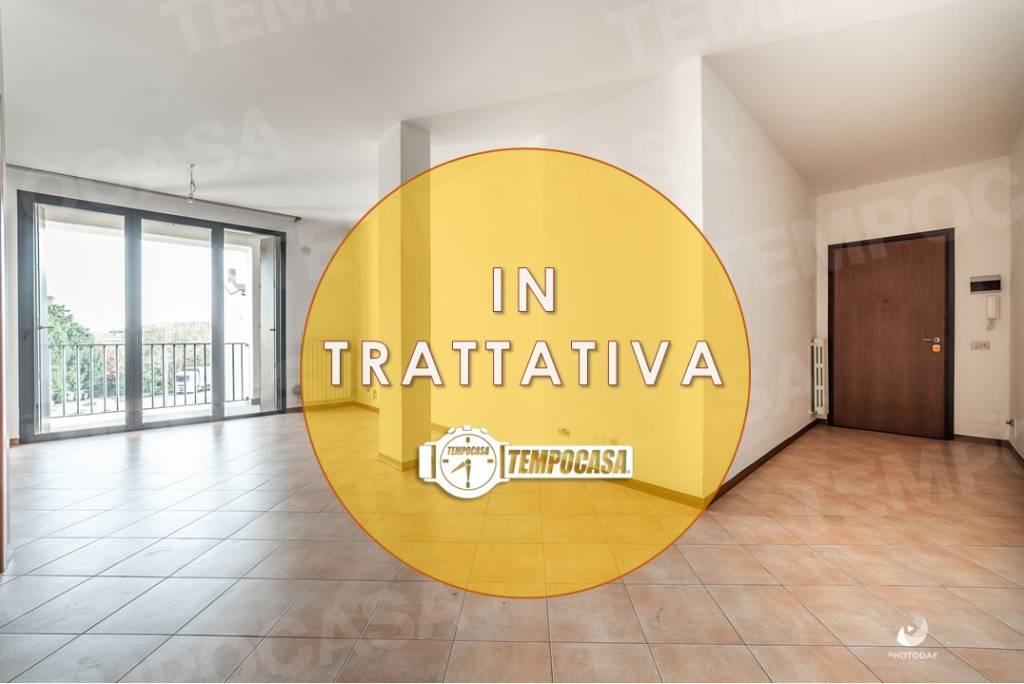 Appartamento in buone condizioni in vendita Rif. 9150474