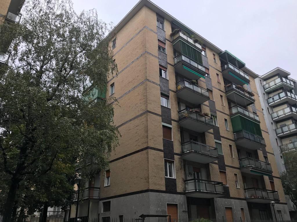 Appartamento in Affitto a Milano 27 Baggio / Novara / Forze Armate: 2 locali, 55 mq