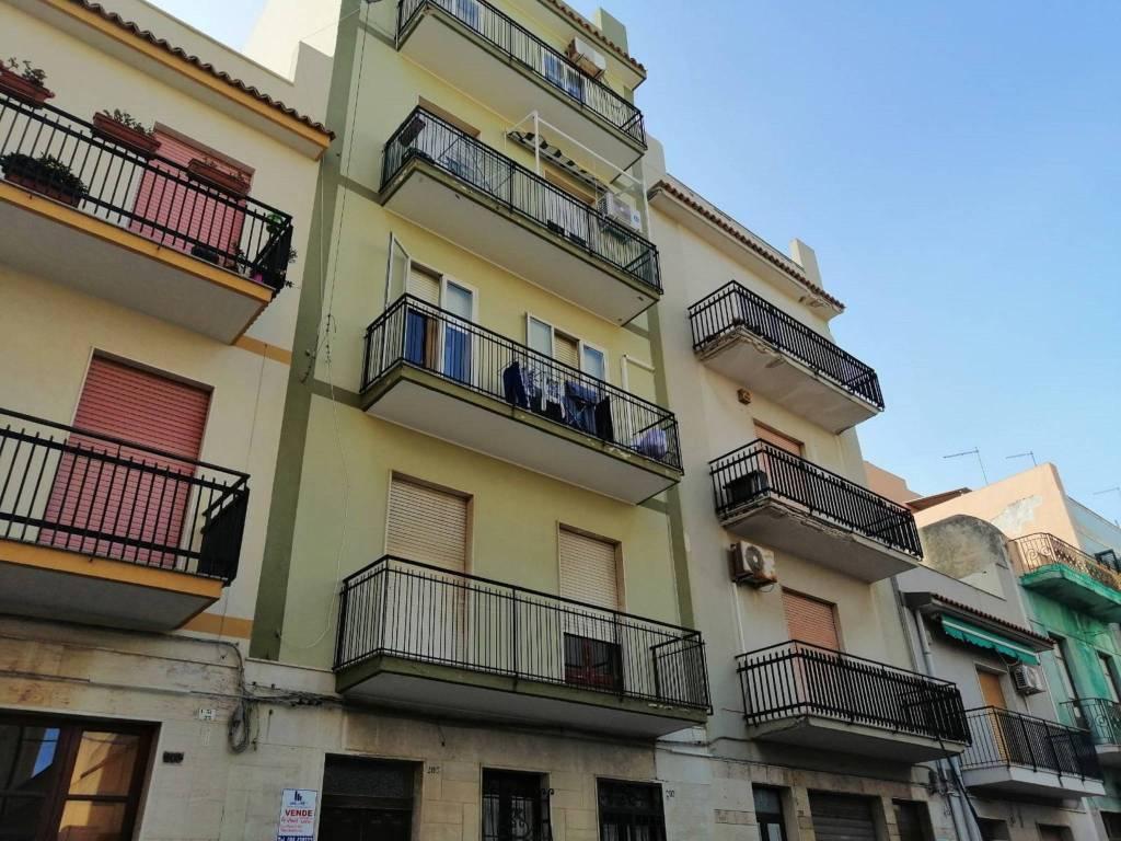 Appartamento in Vendita a Augusta Centro: 4 locali, 90 mq