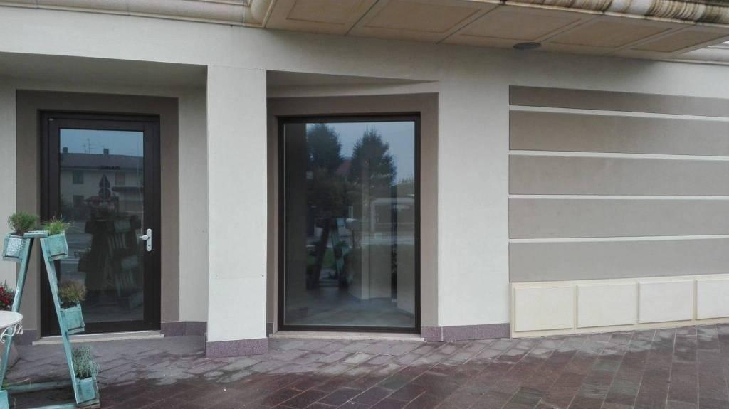 Negozio / Locale in vendita a Urgnano, 1 locali, prezzo € 145.000 | PortaleAgenzieImmobiliari.it