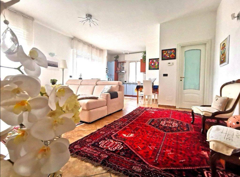 Appartamento in vendita a Albissola Marina, 3 locali, prezzo € 280.000   CambioCasa.it