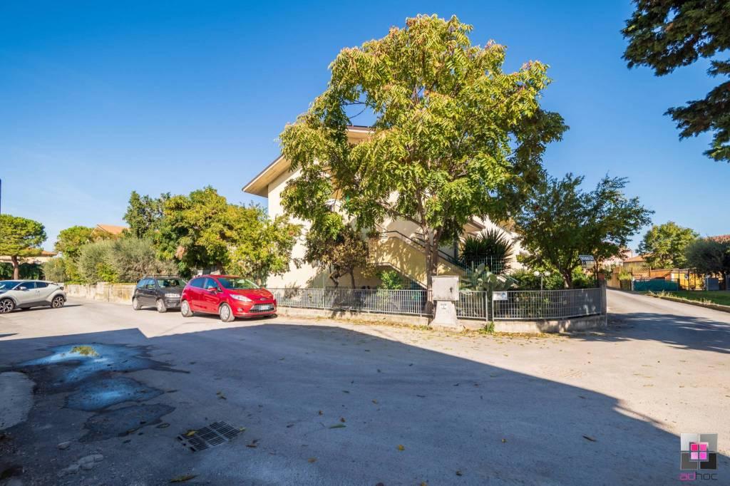 Appartamento in vendita a Fano, 4 locali, prezzo € 158.000   CambioCasa.it