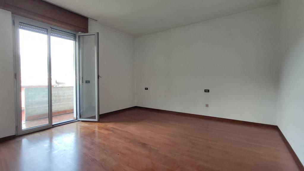 Appartamento in vendita a Vertova, 3 locali, prezzo € 120.000 | PortaleAgenzieImmobiliari.it