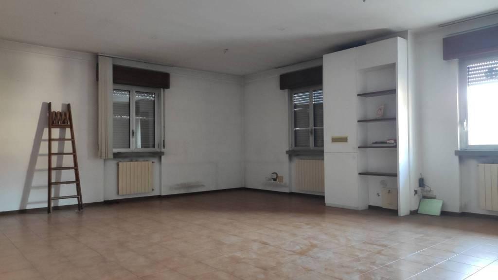 Ufficio / Studio in vendita a Vertova, 3 locali, prezzo € 60.000 | PortaleAgenzieImmobiliari.it
