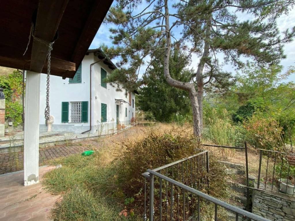 Rustico / Casale in vendita a Visone, 10 locali, prezzo € 195.000 | CambioCasa.it