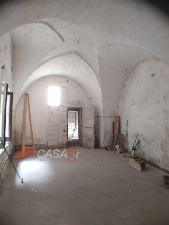 Appartamento in vendita a Uggiano La Chiesa, 7 locali, Trattative riservate | PortaleAgenzieImmobiliari.it