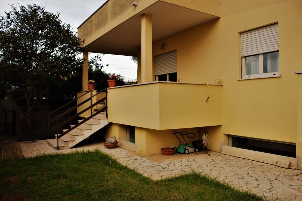 Appartamento in vendita a Anzio, 6 locali, prezzo € 120.000 | CambioCasa.it