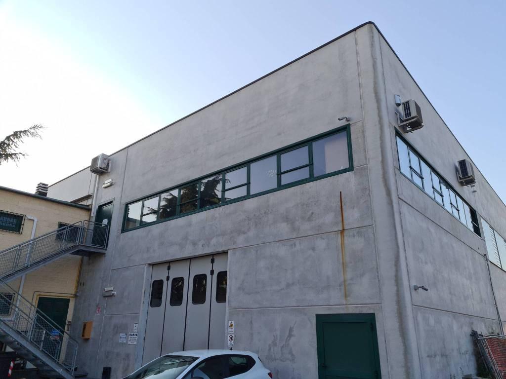 Capannone in vendita a Carmagnola, 6 locali, Trattative riservate | CambioCasa.it