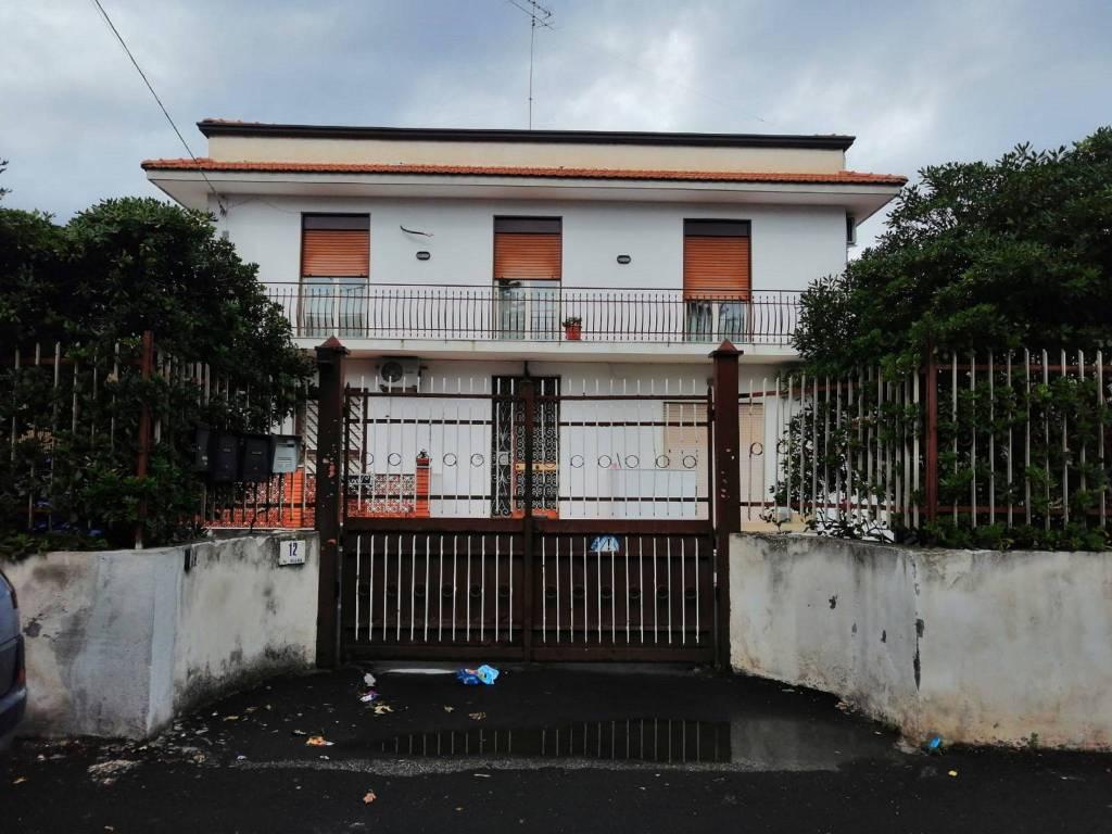 Appartamento in Vendita a Misterbianco Centro: 5 locali, 225 mq