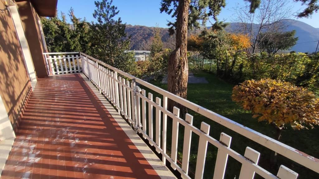 Villa in vendita a Leffe, 5 locali, prezzo € 220.000 | PortaleAgenzieImmobiliari.it