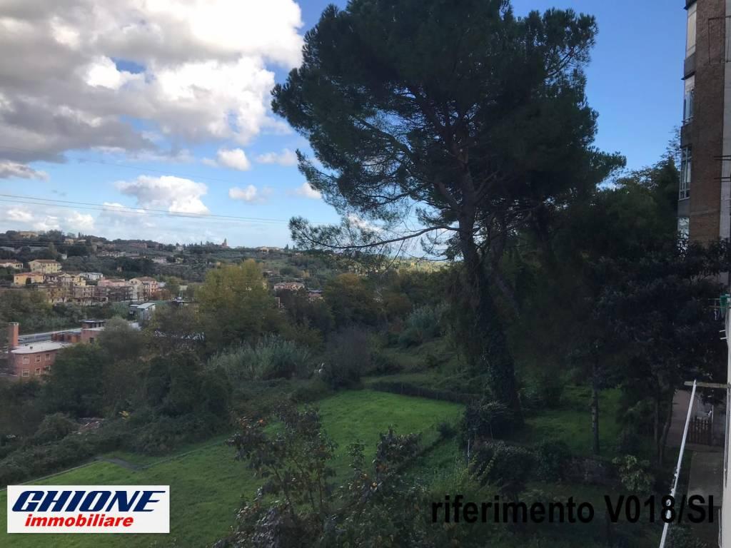 Appartamento in vendita a Siena, 4 locali, prezzo € 200.000 | CambioCasa.it