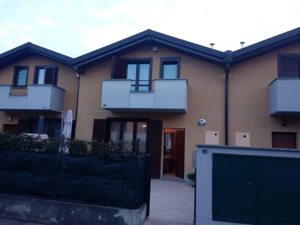 Villa a Schiera in vendita a Cugliate-Fabiasco, 4 locali, prezzo € 265.000 | PortaleAgenzieImmobiliari.it