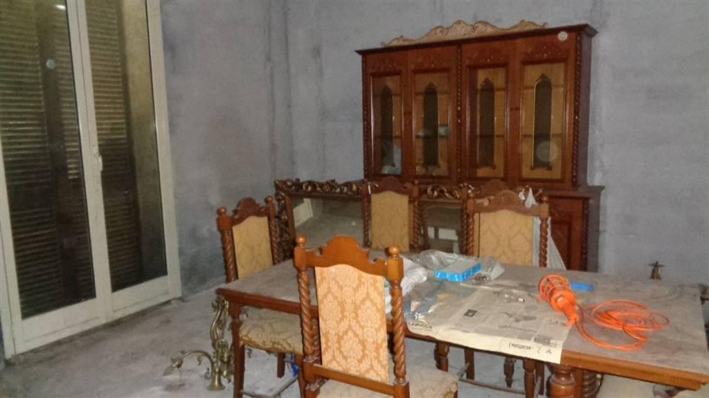 Villa in Vendita a Pedara Centro: 5 locali, 180 mq