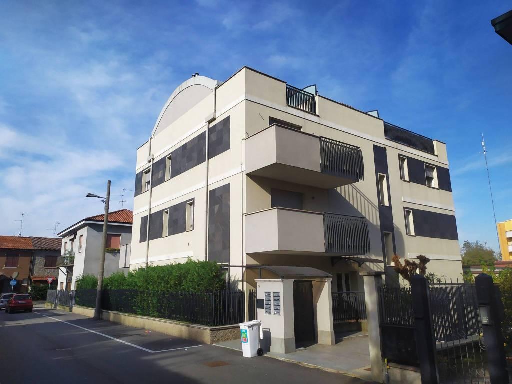 Appartamento in vendita a Paullo, 4 locali, prezzo € 270.000 | CambioCasa.it