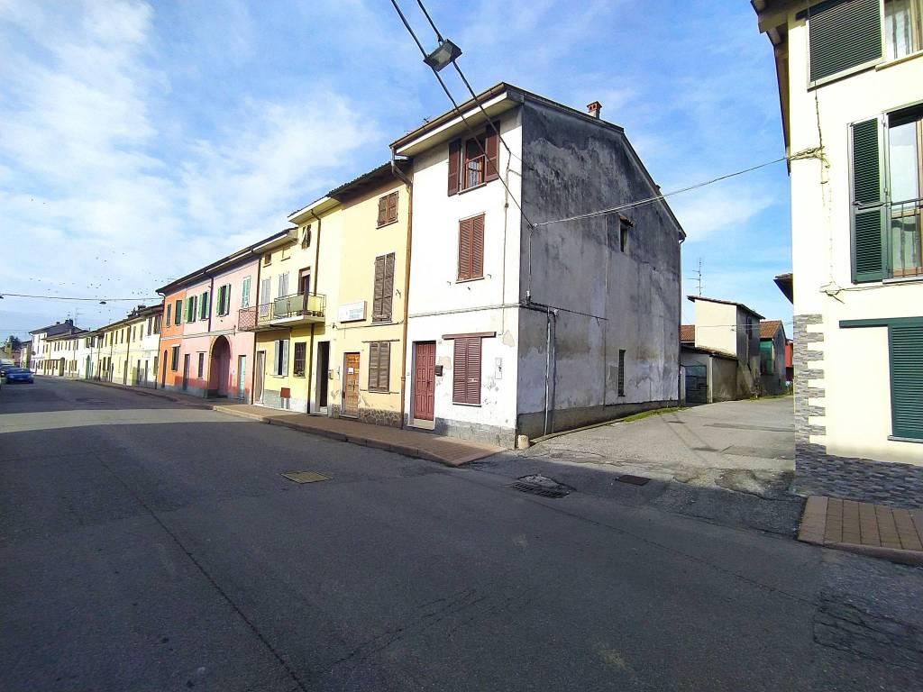 Soluzione Indipendente in vendita a Chignolo Po, 6 locali, prezzo € 65.000   PortaleAgenzieImmobiliari.it
