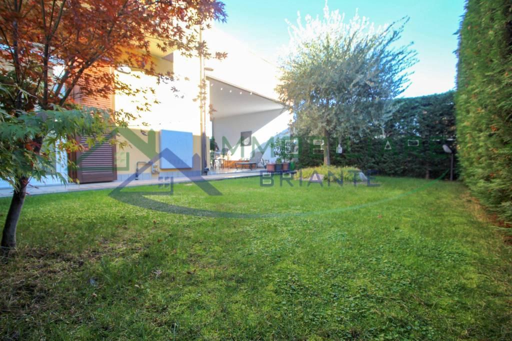Appartamento in vendita a Cardano al Campo, 3 locali, prezzo € 259.000   CambioCasa.it