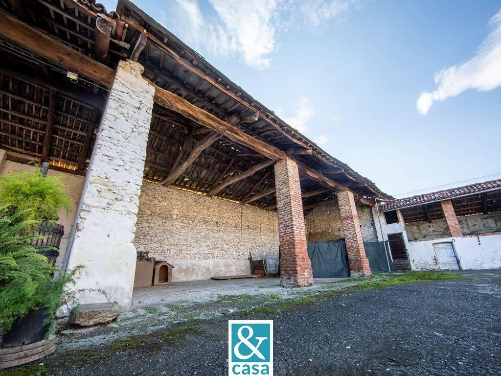 Rustico / Casale in vendita a Cavour, 9999 locali, prezzo € 56.000   CambioCasa.it