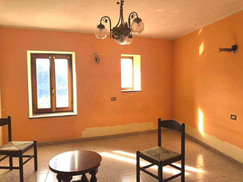 Appartamento in vendita a Veleso, 3 locali, prezzo € 30.000 | PortaleAgenzieImmobiliari.it